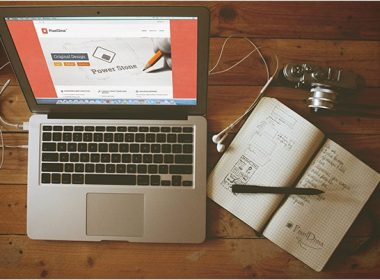 Macbook Air Screen Mock up Free PSD