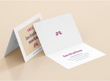 Free Folded invitation mockup