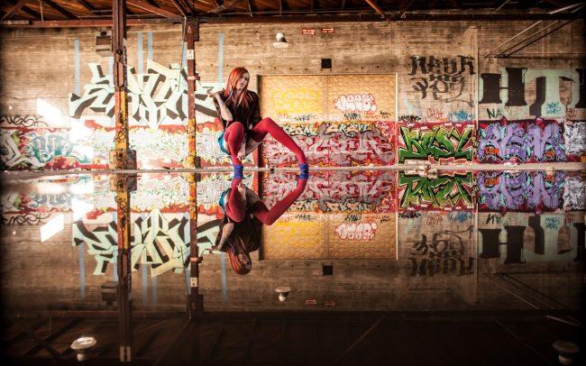 2560 × 1600 Girl HD Graffiti Wallpapers