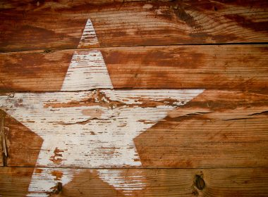Star on wood texture 3840x2160
