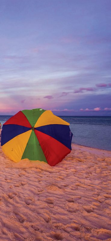 beautiful-beach-and-umbrella-wallpaper-1080x2340