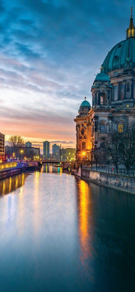 Beautiful Berlin Cathedral HD Wallpaper [1080×2340]