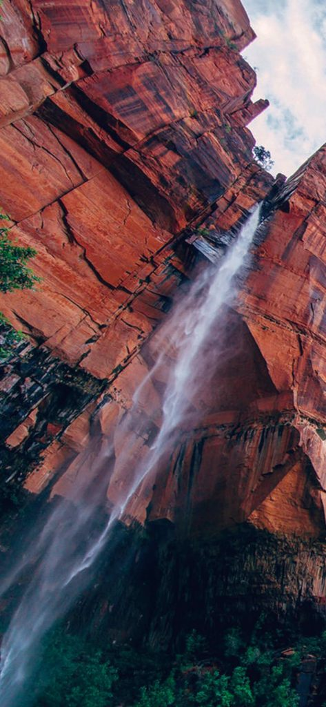 Amazing-Rocky-Mountain-Waterfall-1080×2340