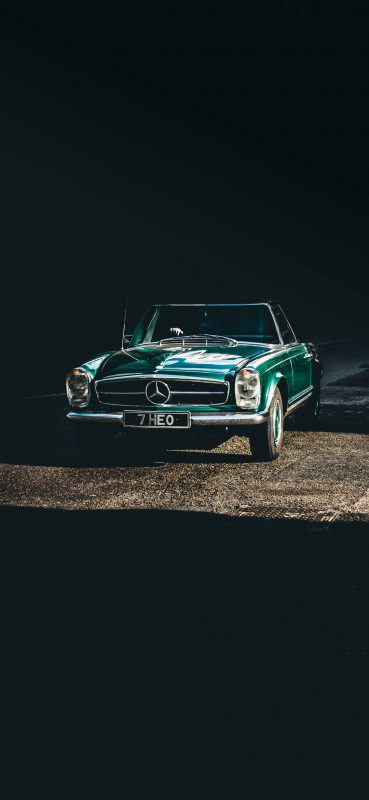 Vintage-Green-Mercedes-Car-1080×2340