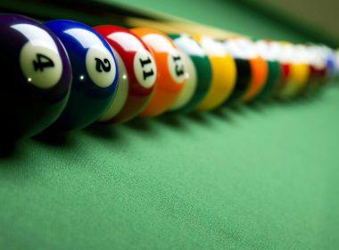 2560x1600-billiards-balls-in-a-row-photograhpy-wallpaper