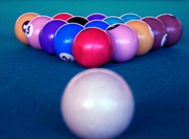 billiards-game-balls-4k-wallpaper-3840x2160