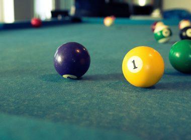 3840x2160-billiards-game-playing-balls-hd-wallpaper