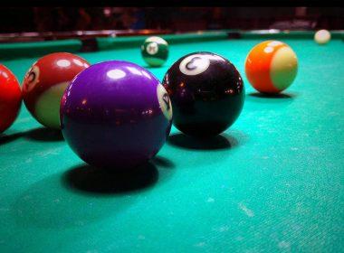 billiards-green-table-hd-wallpaper-2560x1600