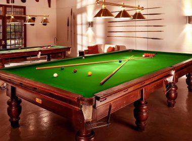 2560x1600-billiards-tabel-in-home-hd-wallpaper