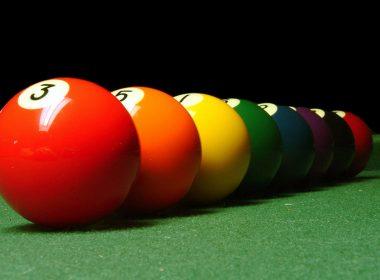 close-up-billiard-balls-hd-wallpaper-1600x1200