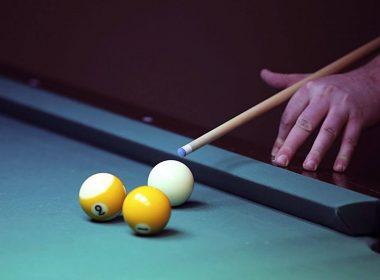 playing-billiards-hand-wallpaper-1920x1080