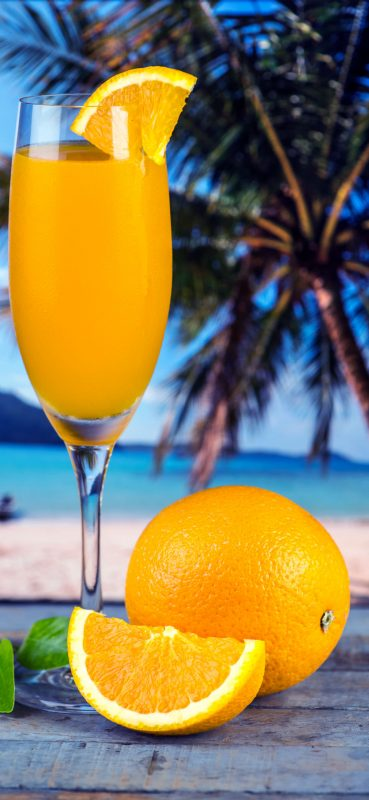1080x2340-closeup-beach-drinks-hq-wallpaper