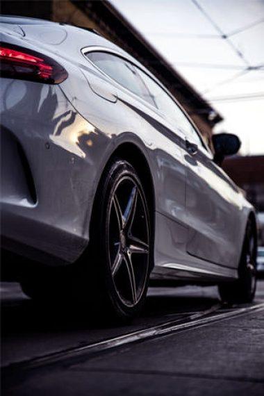 320x480-porsche-car-close-up-photography-wallpaper