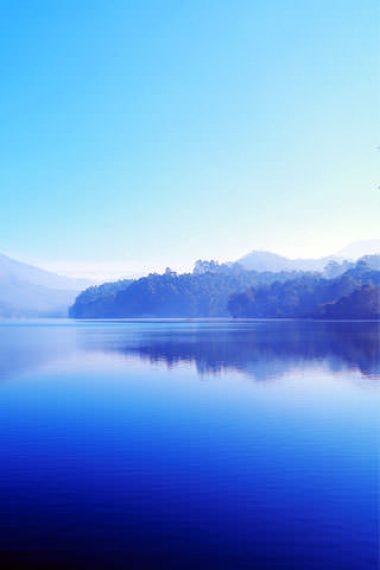Stunning-Blue-Lake-Nature-Wallpaper-320×480