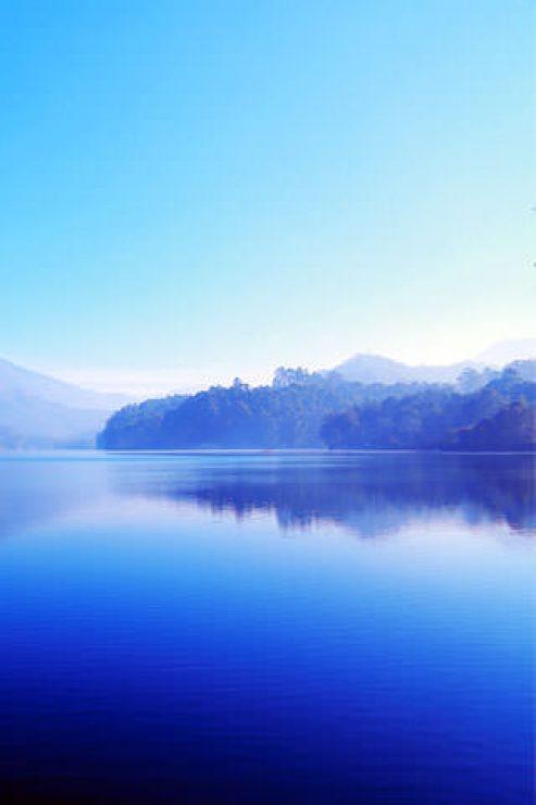 Stunning Blue Lake Nature Wallpaper - [320×480]