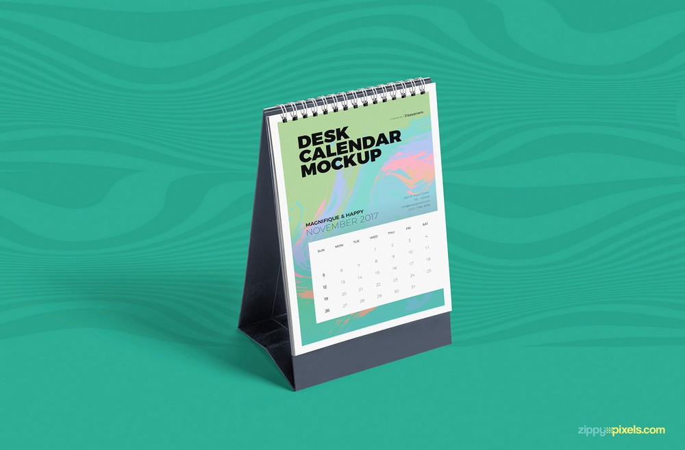Customizable Desk Calendar PSD Mockup
